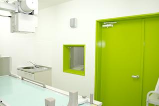 内科クリニック診察室